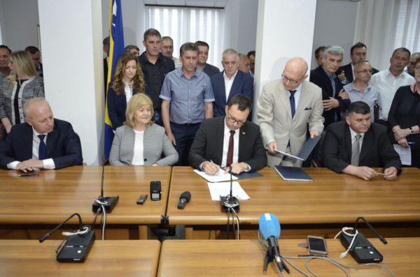 Potpisan Granski Kolektivni Ugovor Za Područje Djelatnosti Elektroprivrede